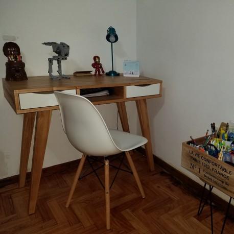 Combo Escritorio Escandinavo + Silla Eames Blanca Patas de Madera